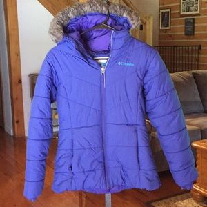 Girls Columbia Puffer Coat with attached hood